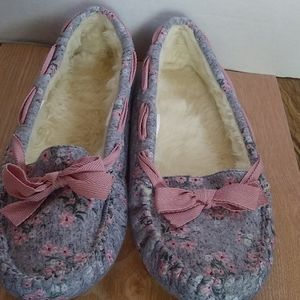 Womens Grey Floral Slippers size 11/12